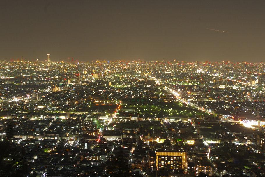 枚岡山展望台からの大阪平野の夜景