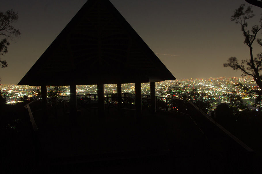 額田山展望台と大阪平野の夜景