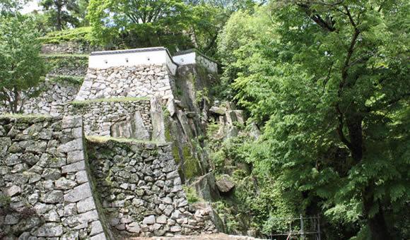 日本百名城の山城へ備中松山城と城下町高梁を歩く