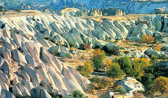 トルコ「カッパドキア・ハイキング」とパムッカレ