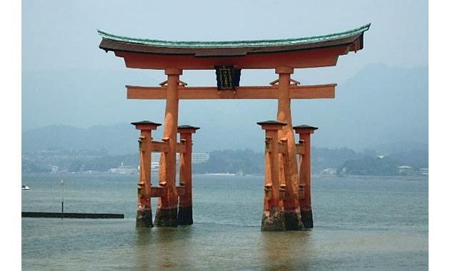 厳島神社・鳥居(イメージ)