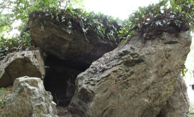 弁慶の岩屋(イメージ)