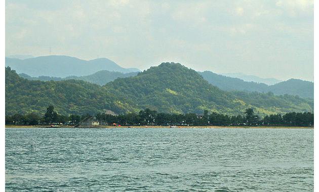 琵琶湖上から見る佐和山城(イメージ)