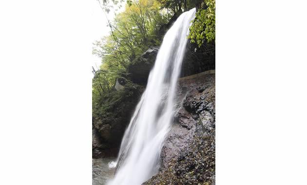 松川渓谷雷滝(イメージ)