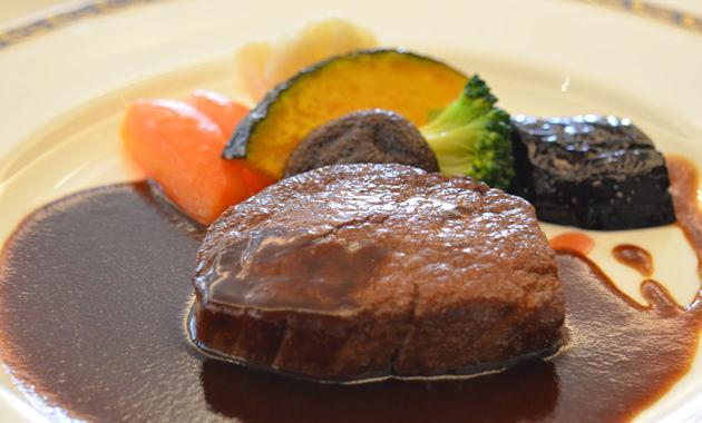 ガスビル食堂メイン肉料理(イメージ)