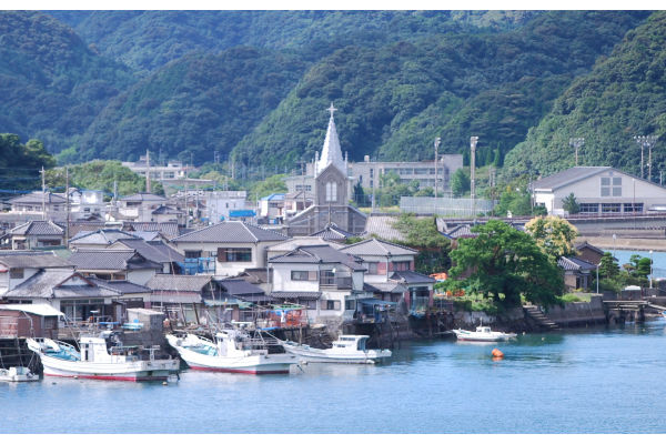 CAT_天草・崎津集落と世界文化遺産の崎津天主堂