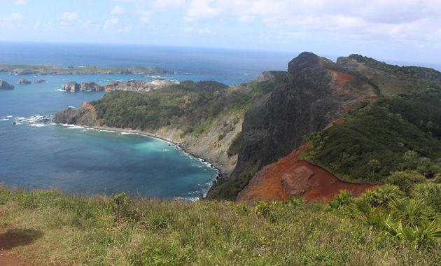 小笠原諸島 千尋岩 通称ハートロックの山頂(イメージ)