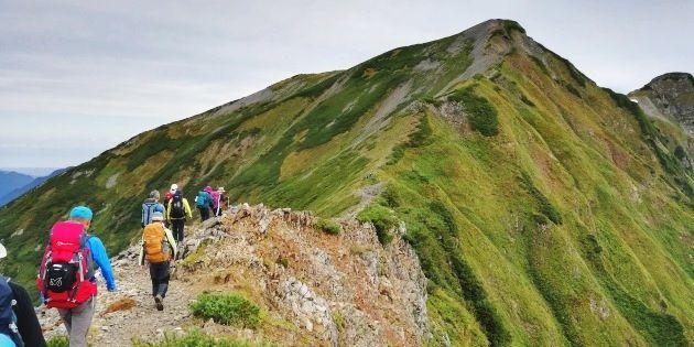 鹿島槍ヶ岳へ続く縦走路(イメージ)