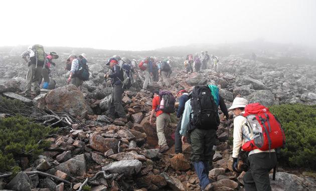 常念岳への登り(イメージ)