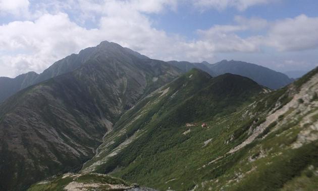 悪沢岳山頂からの赤石岳(イメージ)