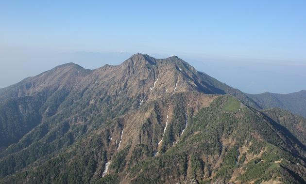 赤岳から見た権現岳(イメージ)