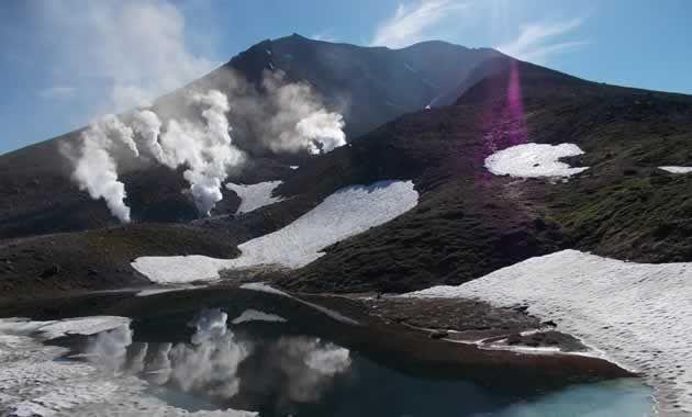 姿見駅付近から見た大雪山・旭岳