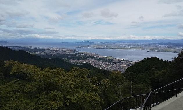 比叡山から琵琶湖を望む(イメージ)