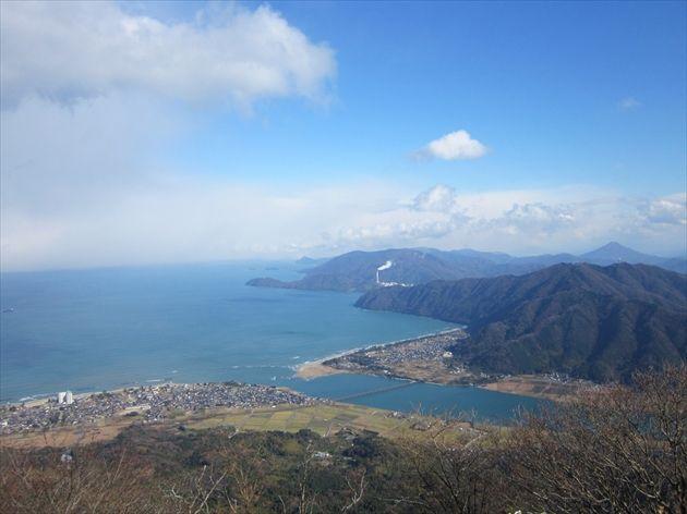 由良ヶ岳から見た若狭湾(イメージ)
