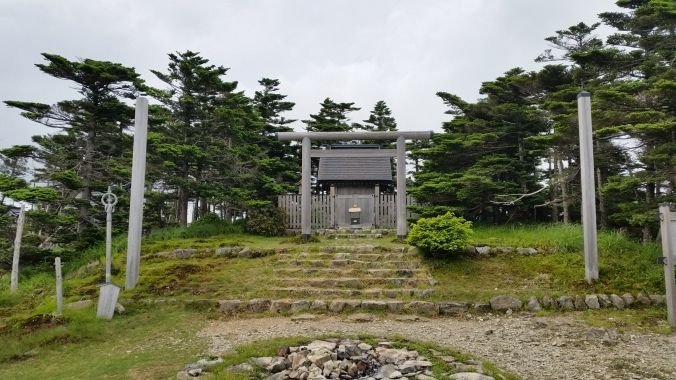 弥山山頂の弥山神社(イメージ)