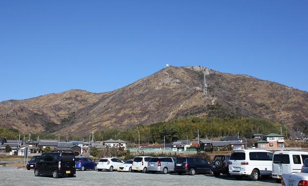 麓から見た高御座山(イメージ)