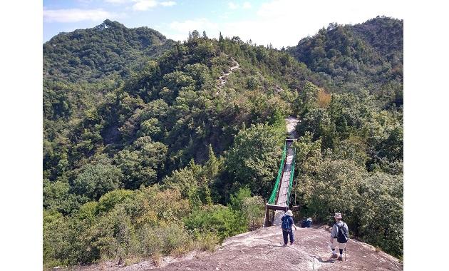 加西アルプス名物(?)の吊り橋(イメージ)