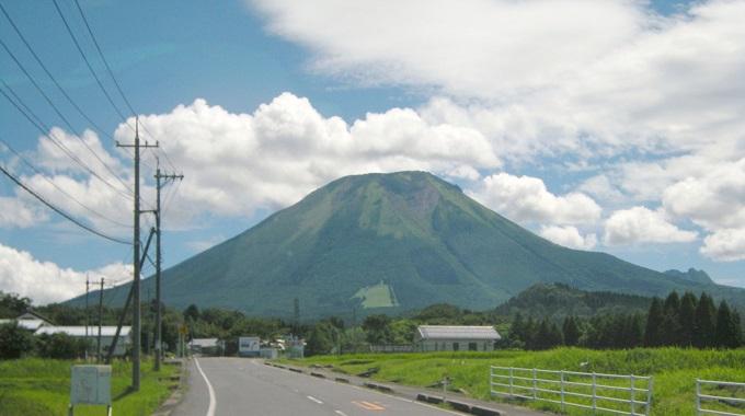 「伯耆富士」の名にふさわしい山容(イメージ)