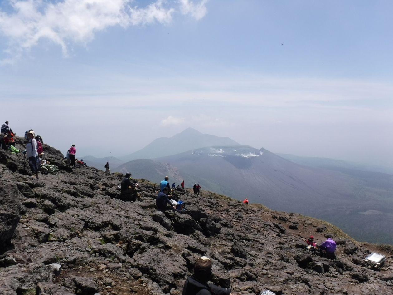 韓国岳から高千穂峰を眺める(イメージ)
