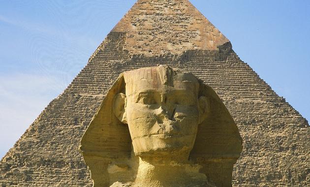 スフィンクスとピラミッド(イメージ)