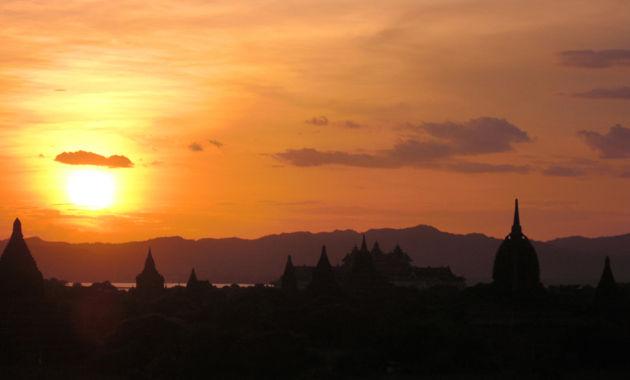 バガンの夕陽(イメージ)