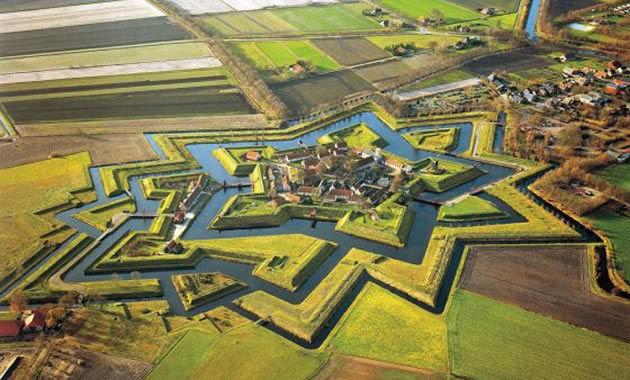 ブールタング城塞©オランダ政府観光局
