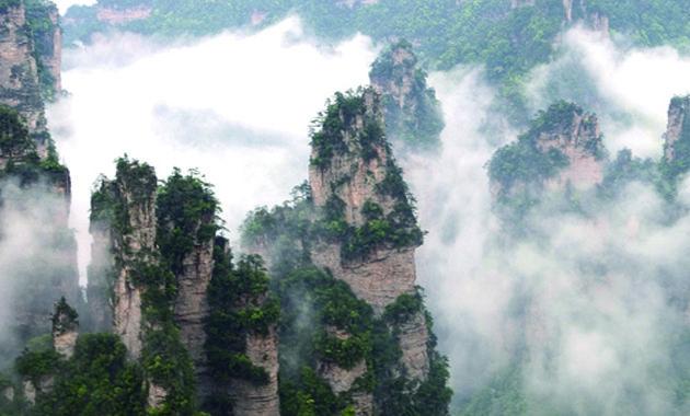 武陵源の奇岩群(イメージ)
