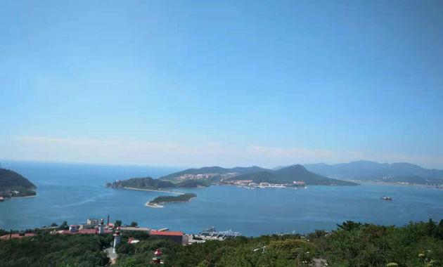 白玉山から軍港を俯瞰する(イメージ)